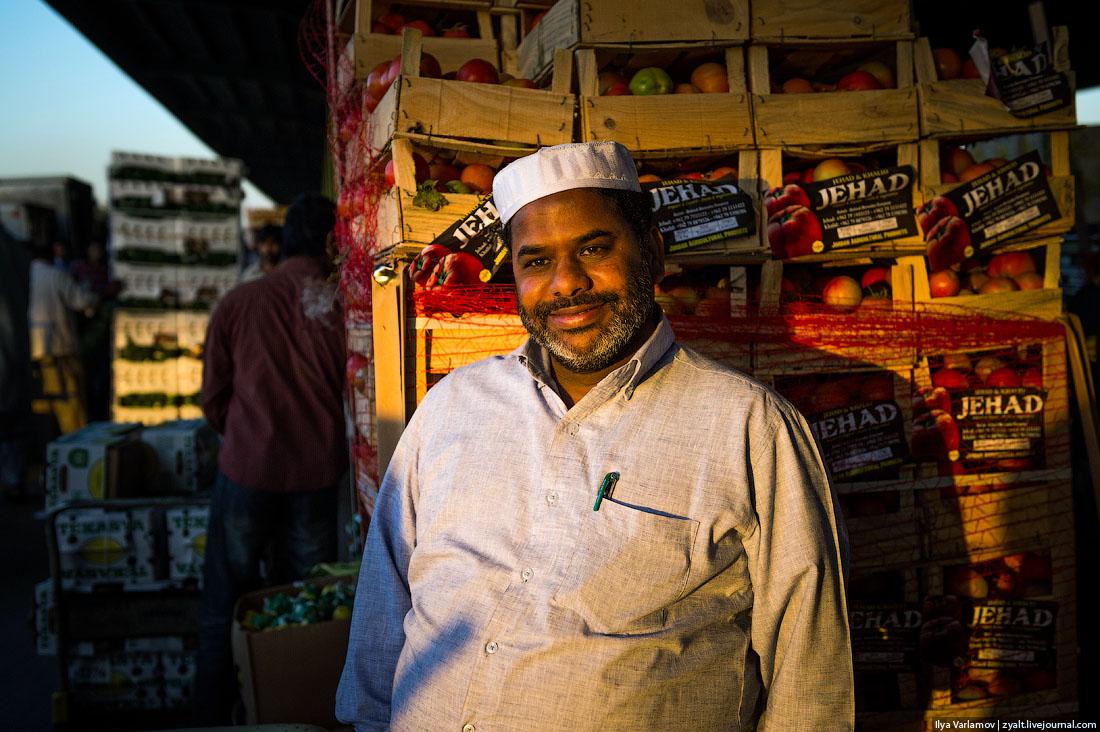 Дубай: фудтраки как общественное пространство