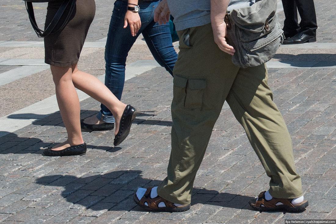 Красивые девушки в белых носках — photo 12