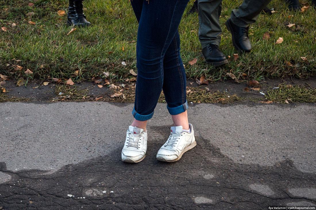 Девушки в джинсах и без