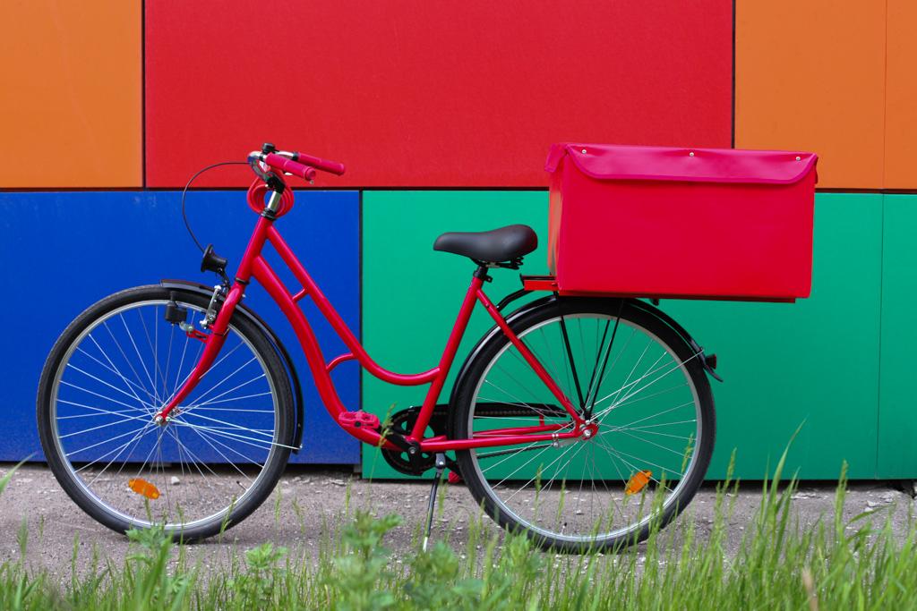 В планах сделать в 2015 году электрическую версию велосипеда на базе  решений Bosch Shimano Steps, чтобы сэкономить силы курьера и увеличить  среднюю скорость ... 1a2d34b727a