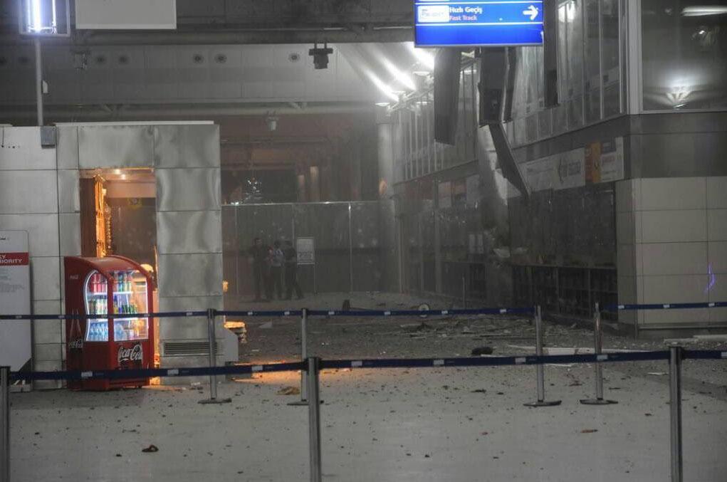 Картинки по запросу взрыв в аэропорте