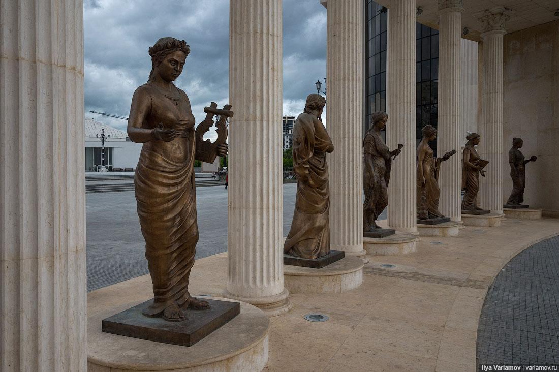 Скопье: город миллиона статуй