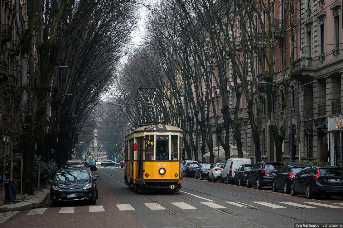 Фото туристов в милане трамваи