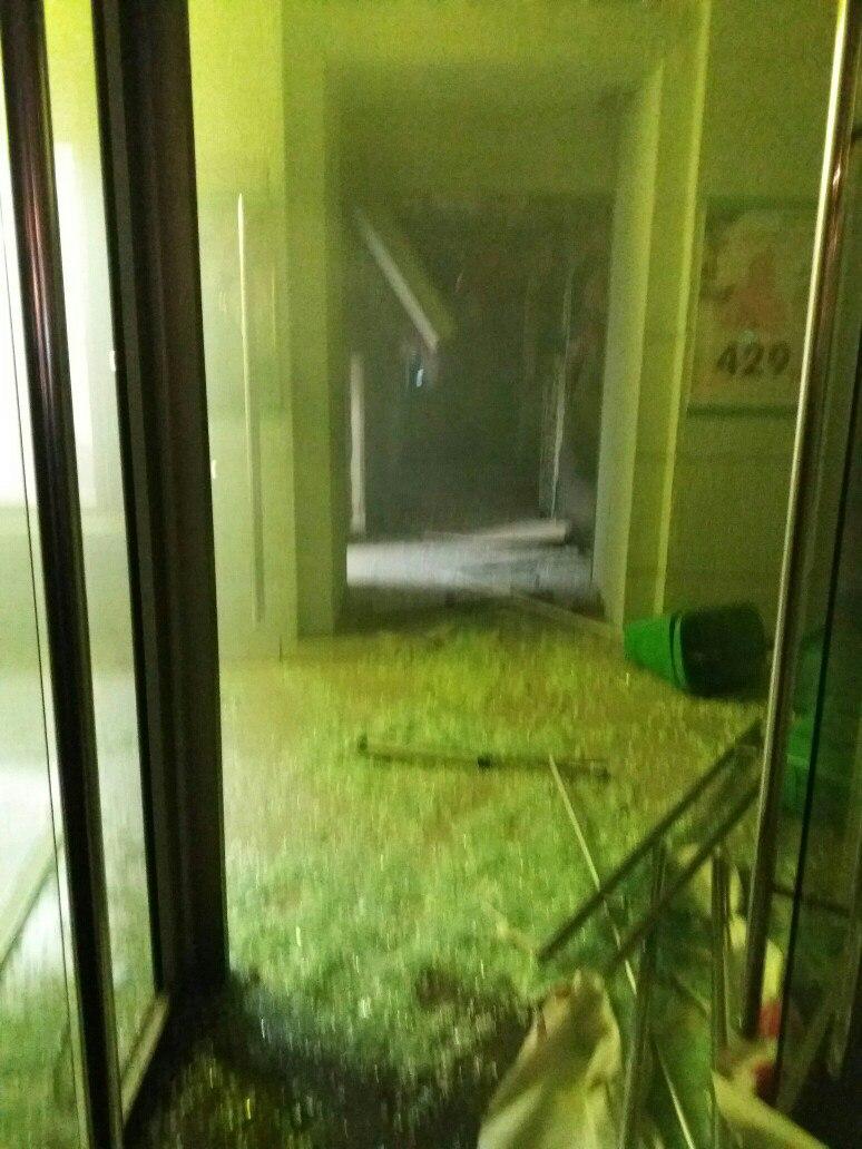 Взрыв в питерском супермаркете: пострадали до десяти человек