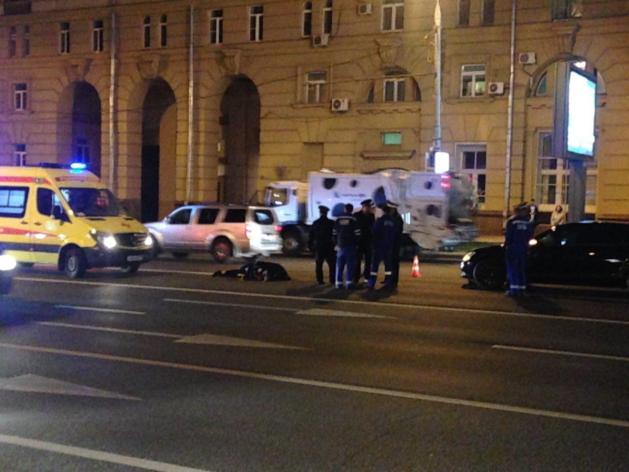 """""""Мерседес"""" с номерами АМР сбил насмерть полицейского на Новом Арбате"""