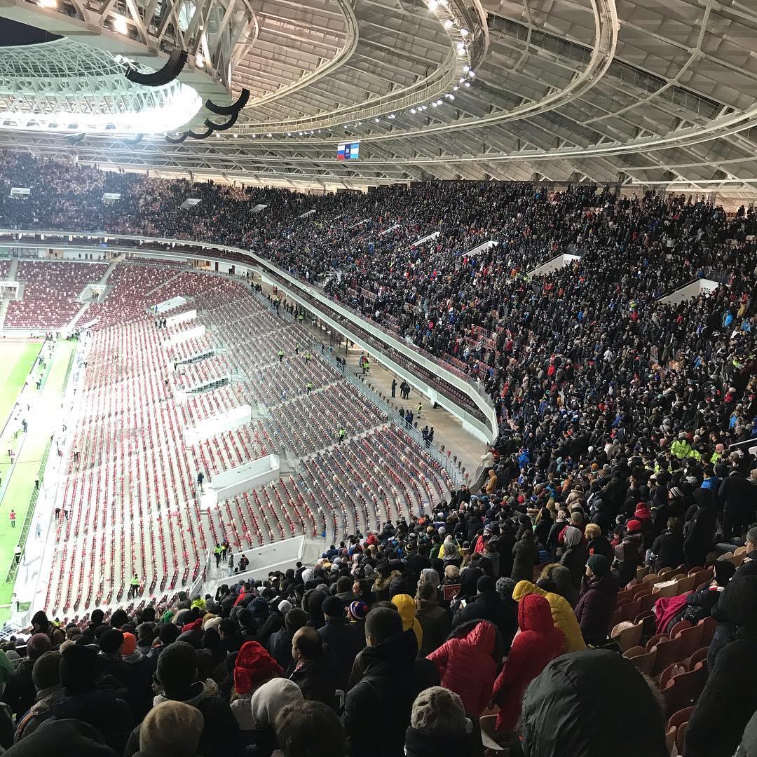 """В """"Лужниках"""" прошел первый после реконструкции матч, организация –полный провал"""