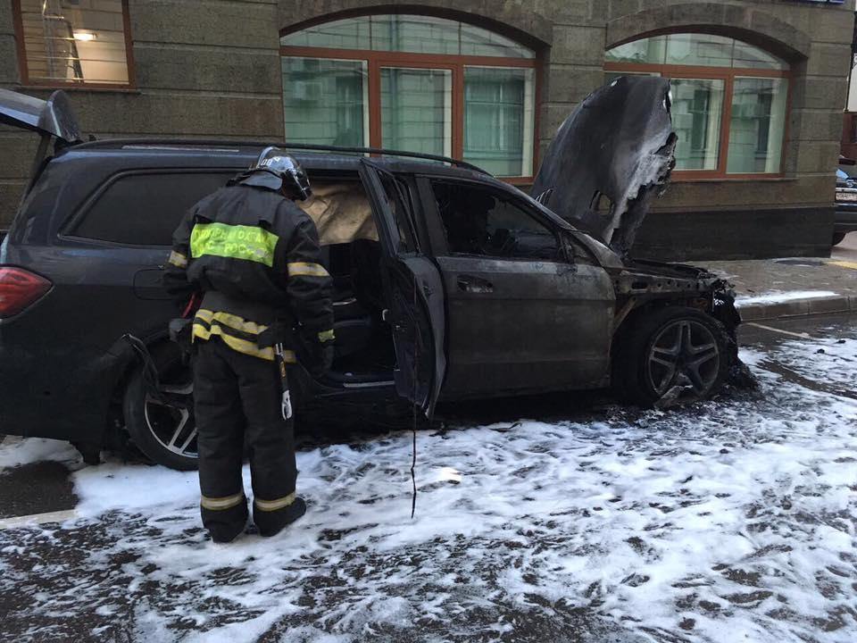 """""""За Матильду гореть"""": адвокату Учителя подожгли машину (дополнено)"""