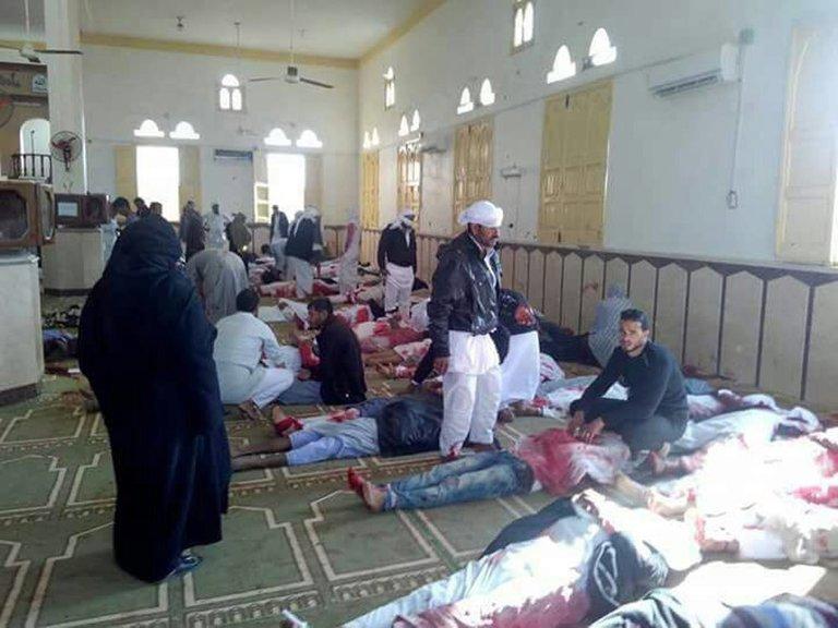 Более 150 человек погибли при нападении на мечеть в Египте