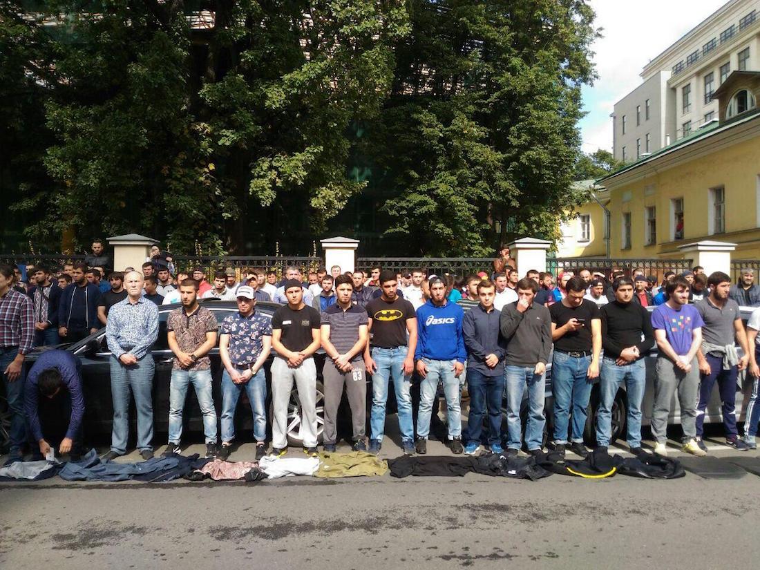Протесты мусульман в центре Москвы. Трансляция окончена