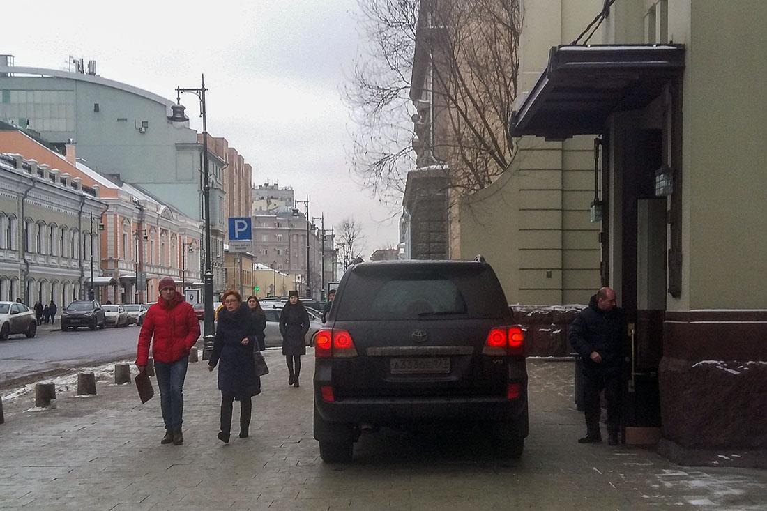 Марк Захаров, Марк Варшавер: уважаемые люди без уважения
