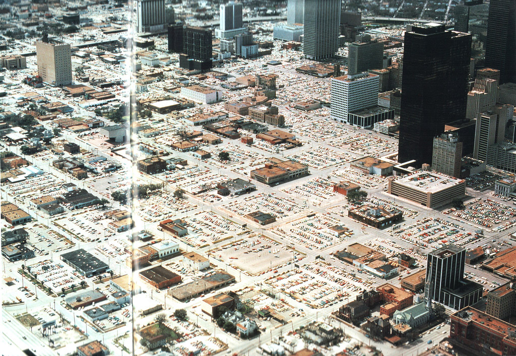 Парковочными местами вымощена дорога в ад парковку, машин, машины, России, парковки, город, Именно, чтобы, платят, каждый, жителей, может, парковка, машинами, гетто, человек, автомобиль, своего, парковок, стоимость