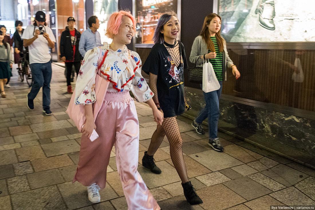 Японская мода: лолиты, кириллица и лошадиные рюкзаки