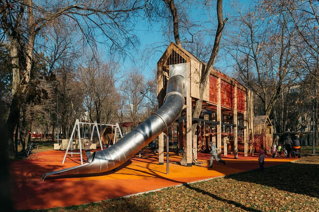 Хорошая детская площадка (не в Челябинске)