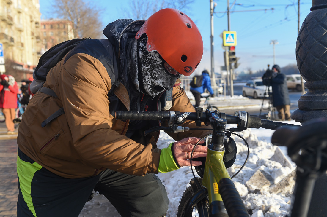 А давайте на зиму вместо велодорожек сделаем парковки