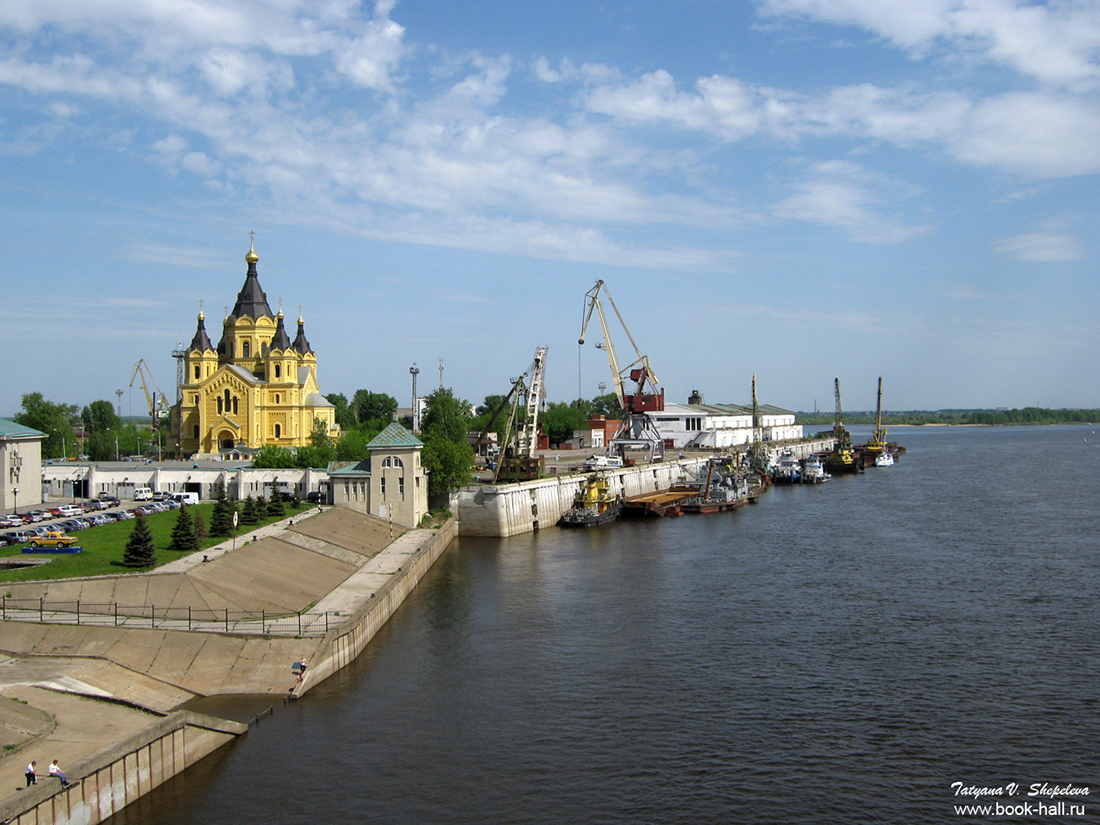 Каким был бы Нижний Новгород, если бы им управляли американцы Нижнем, Новгороде, завода, находится, краны, везде, строительство, пакгаузы, планируют, Здесь, стадиона, металлолом, можно, посмотреть, КентАвеню, парка, набережной, Старые, Рядом, высадили