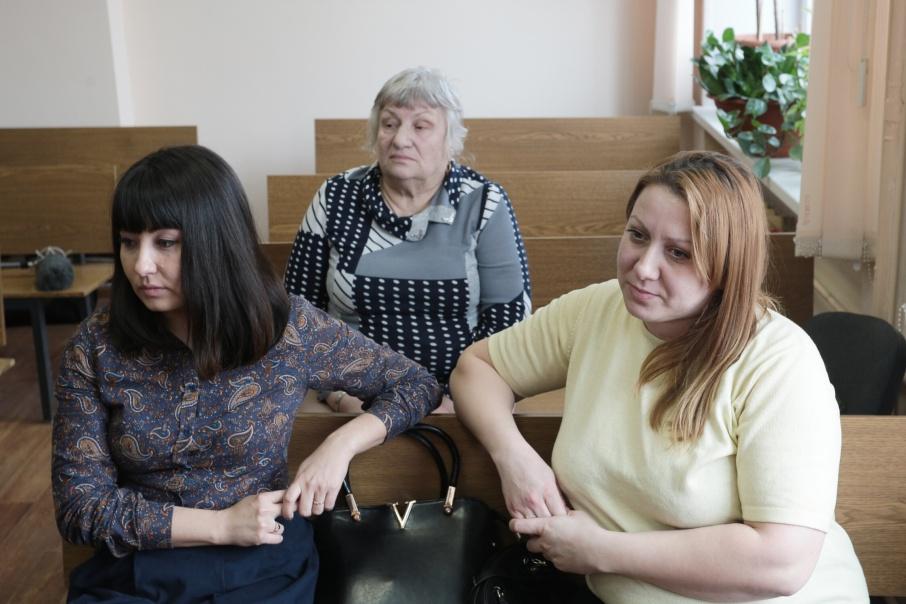 Перепутанные в роддоме жительницы Челябинска отсудили по миллиону рублей