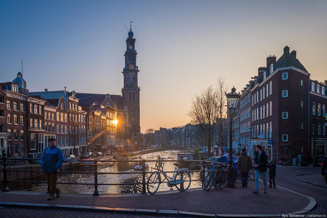 Что лучше: Амстердам или Москва?