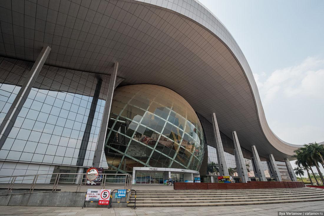 Гуанчжоу: двуличный Китай и одноразовая архитектура