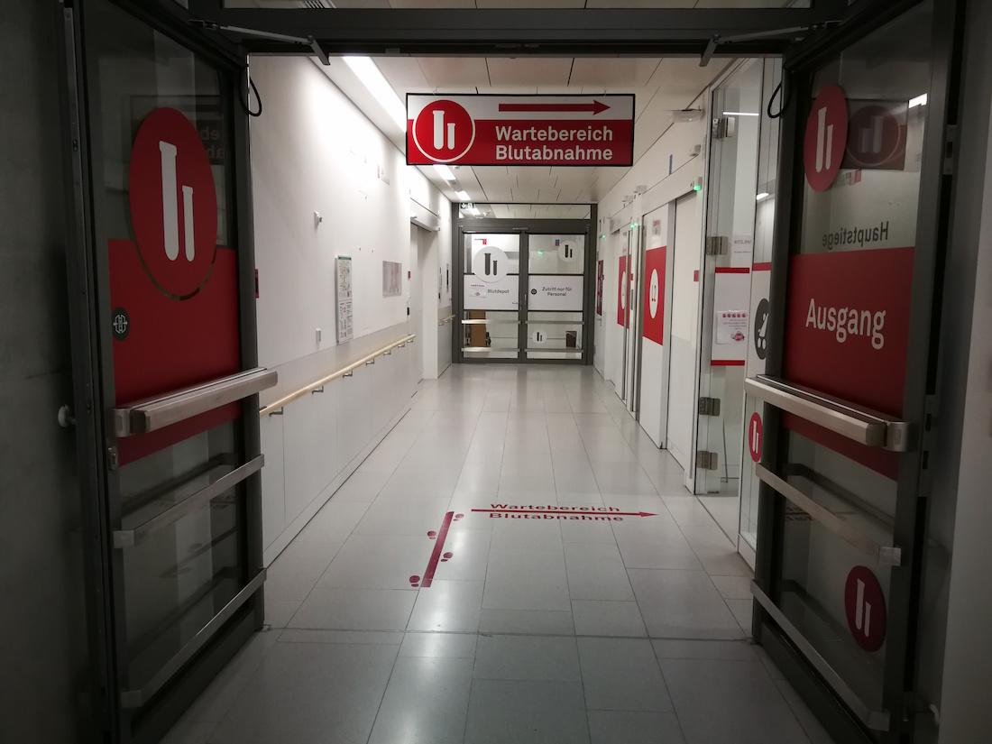 Какой должна быть современная больница больницы, Nickl, Partner, сразу, пациентов, больнице, помещения, разных, отделения, состоит, корпусов, детские, этажах, стенах, света, корпусах, много, европейских, человек, палатах