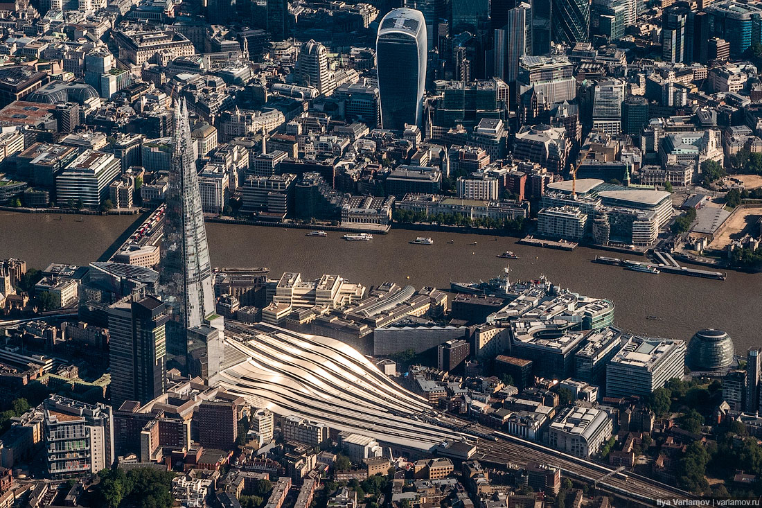 А давайте над Лондоном полетаем?