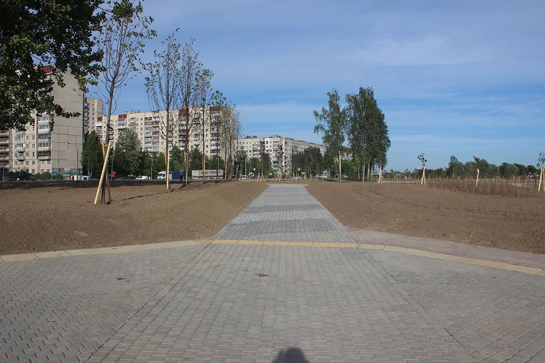 И так сойдет: в Питере детям сдали недостроенный парк