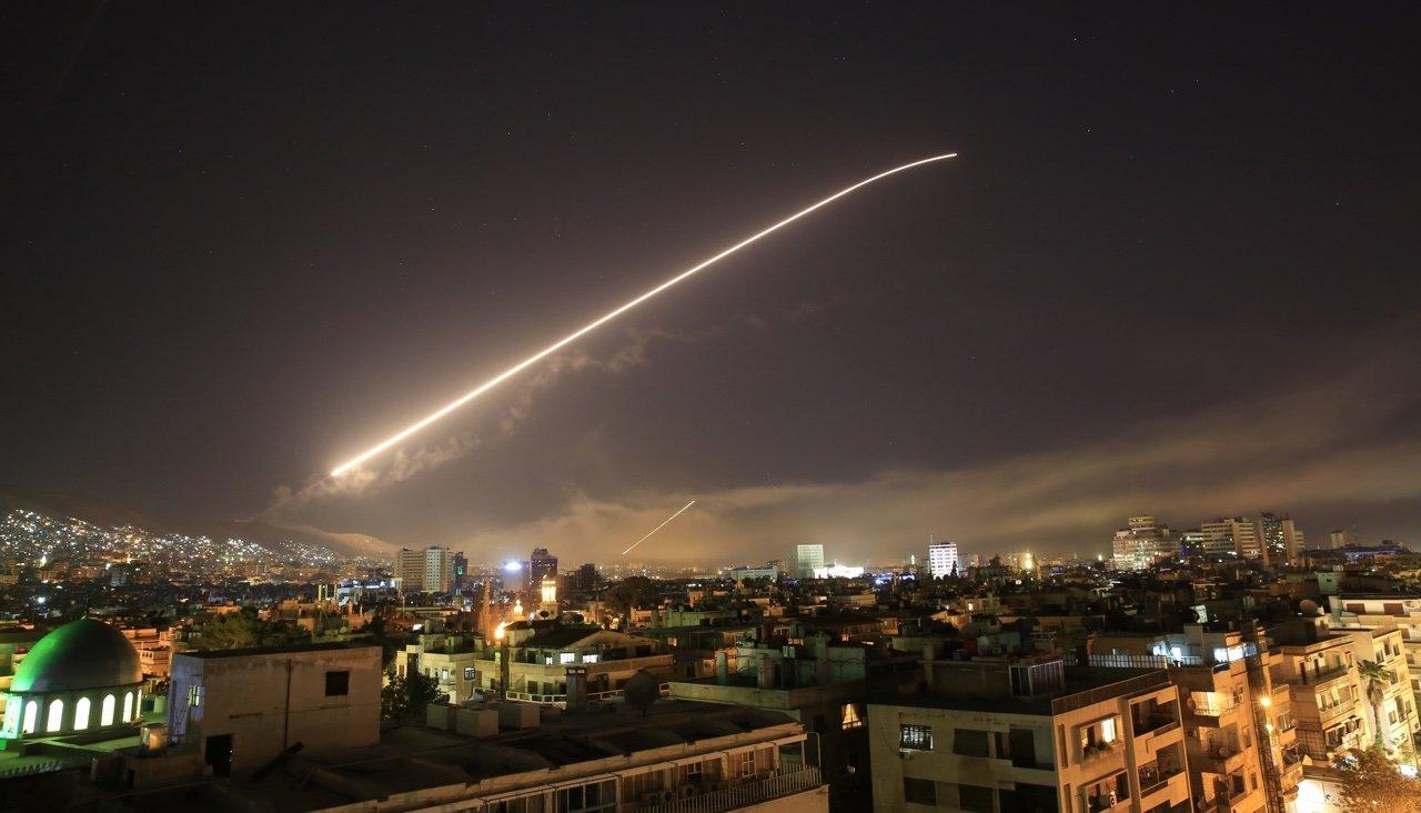 США, Великобритания и Франция нанесли ракетные удары по Сирии