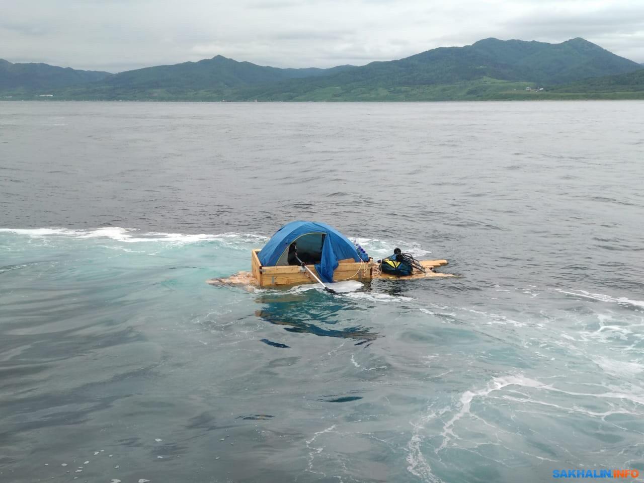 Сахалинца задержали при попытке уплыть в Японию на самодельной лодке