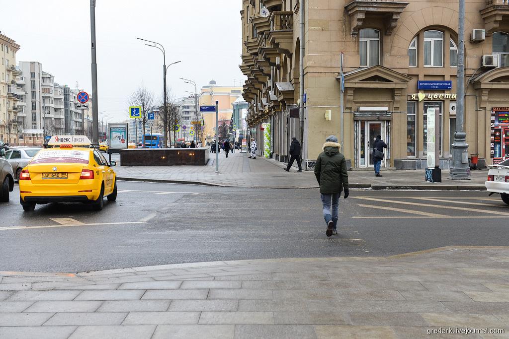 На московских чиновников подали в суд из-за двух пешеходных переходов