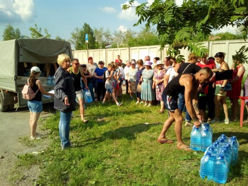 После обвала на реке жителям Североуральска выдают питьевую воду по паспорту