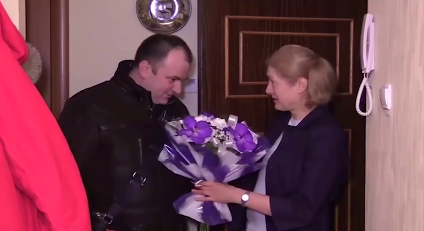 """""""Пришел к имениннице"""": единоросс очень странно поздравил выжившую в теракте"""
