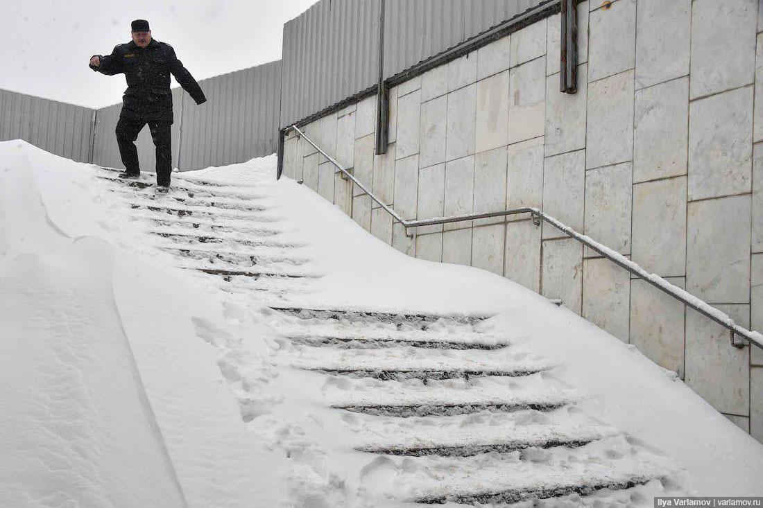 Снежный ад в Москве (фото)