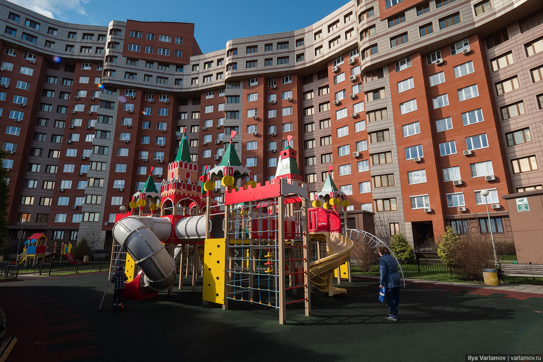 Самое е******е благоустройство двора в России
