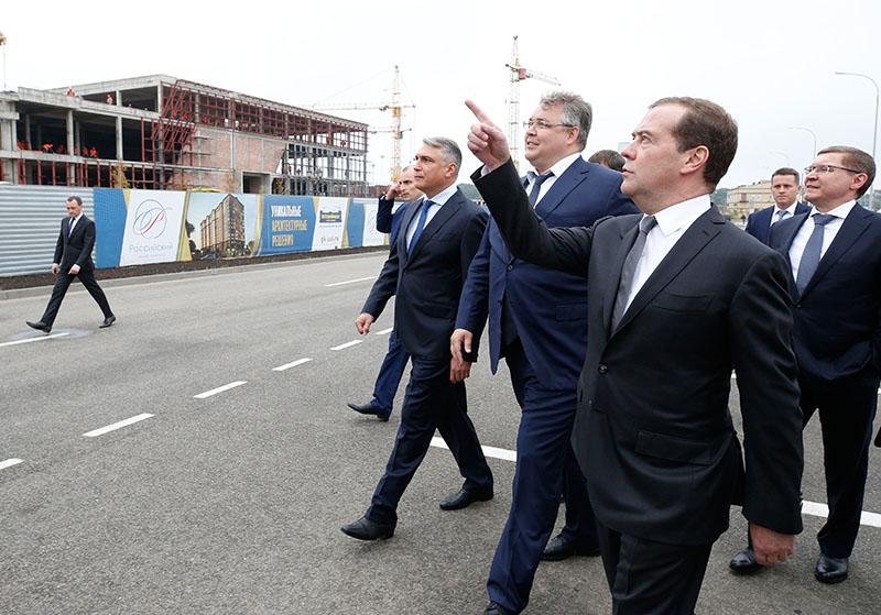 Дмитрий Медведев не любит Россию...