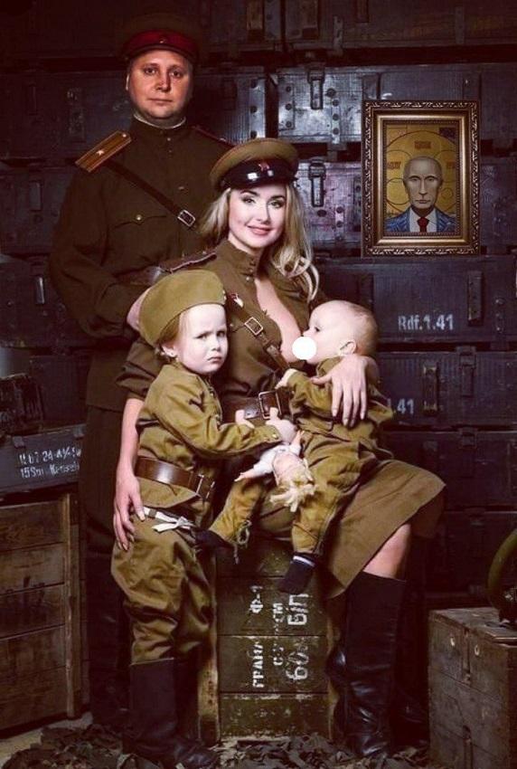 День Победы. Почему дети в военной форме – плохая идея детей, форме, Пятигорска, Например, парад, психолога, предков, Может, почему, военной, стоит, памяти, Потому, смерти, одежда, смерть, официальный, вместе, нужно, выбирают