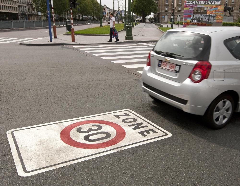 Загнивающий Евросоюз замедляется до 30 км/ч