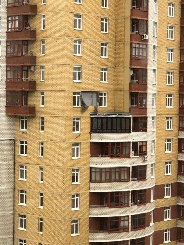 Вы знали, что покупали... Екатеринбурге, время, горка, улице, Вилонова, стоит, кирпичи, стену, таких, сорвало, дорожки, почемуто, Кстати, происшествия, место, видно, хорошо, Яндекса, панорамах, подъезду