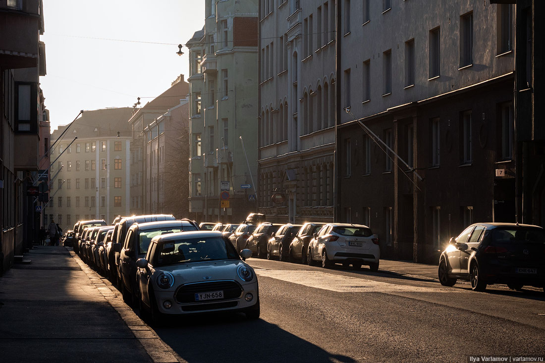 Хельсинки: школа, бассейны, двери