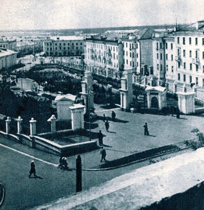 В СССР было лучше общественные, сквер, Горького, пространства, построить, Умягчение, церковь, фонтаном, бывшем, имени, Магнитогорске, городе, сердец, когда, просто, церквей, который, вместо, чтобы, сквера