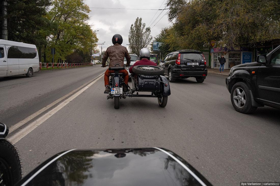 Молдавия: замки, самолёты и много-много вина