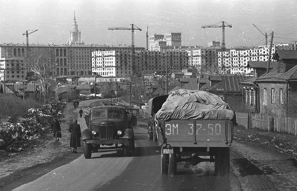 архив старых фотографий ул вавилова разделяют
