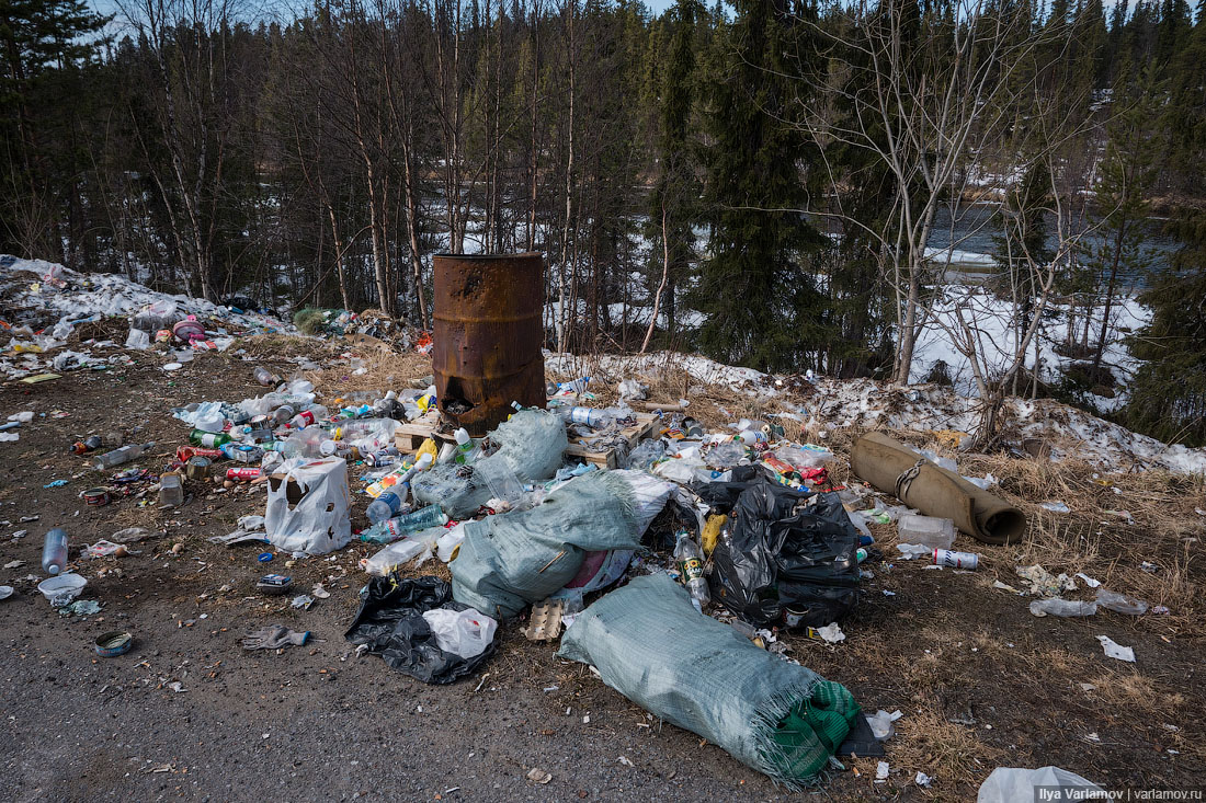 Россия начинает разгребать мусор СьерраЛеоне, хочется, очень, Некоторые, Дерипаске, будет, Скоро, санкций, гнетом, загибаться, продолжает, Группа, дружеское, плечо, улицах, подставим, мусор, разгребём, зайцев, сразу
