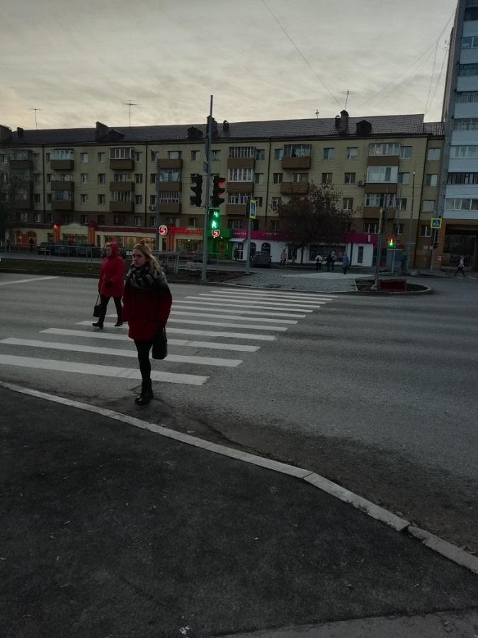 Как хороший человек сделал Тюмень лучше переход, дорогу, пешеходы, Курбатов, пешеходный, стоят, машины, чтобы, дороги, департамента, перейти, островка, безопасности, людям, время, будет, установить, переходить, перехода, Изображение