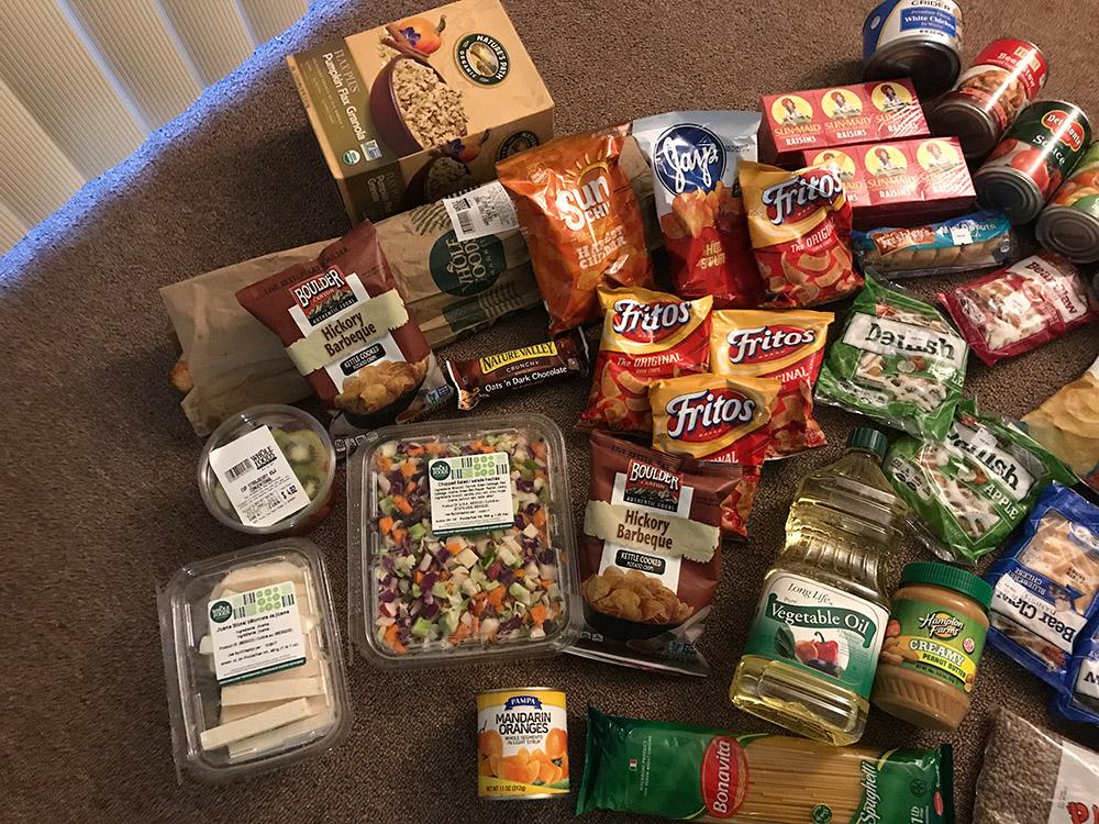 А в Америке негры с голоду мрут! medvedeq, Pikabu, можно, набор, выдают, поэтому, основном, просрочку, раздавать, продукты, бесплатной, взять, дорогих, магазинов, очень, выдачи, решение, взяли, которые, тележку