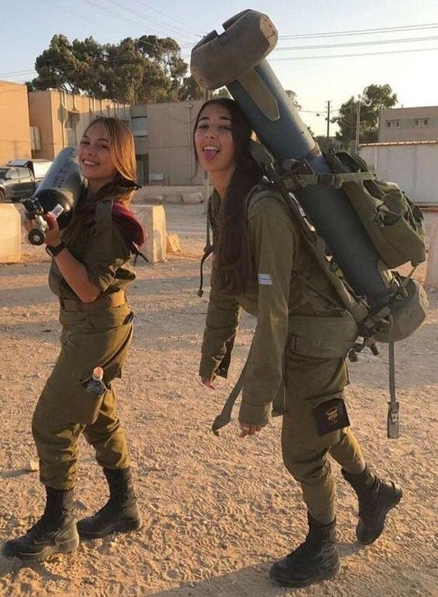 Не женское это дело – в армии служить