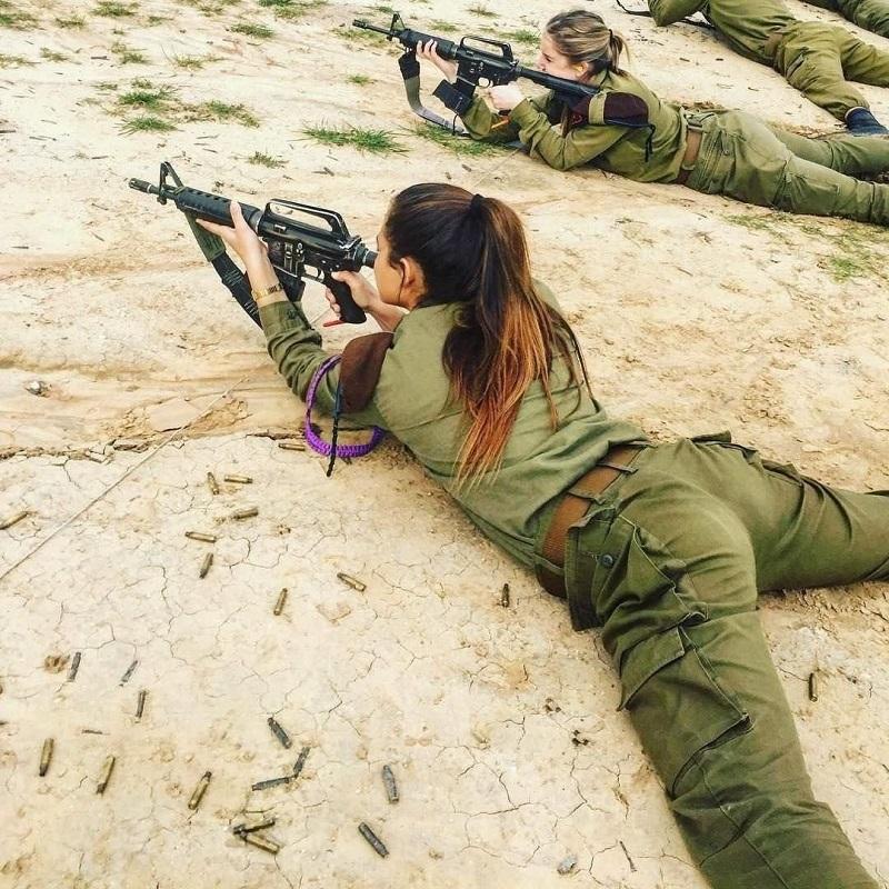 Не женское это дело – в армии служить женщин, женщины, боевых, подразделениях, службу, армии, время, около, мужчин, очень, силах, вооружённых, Женщины, меньше, мужчинами, получили, специальностях, боевые, почти, служат