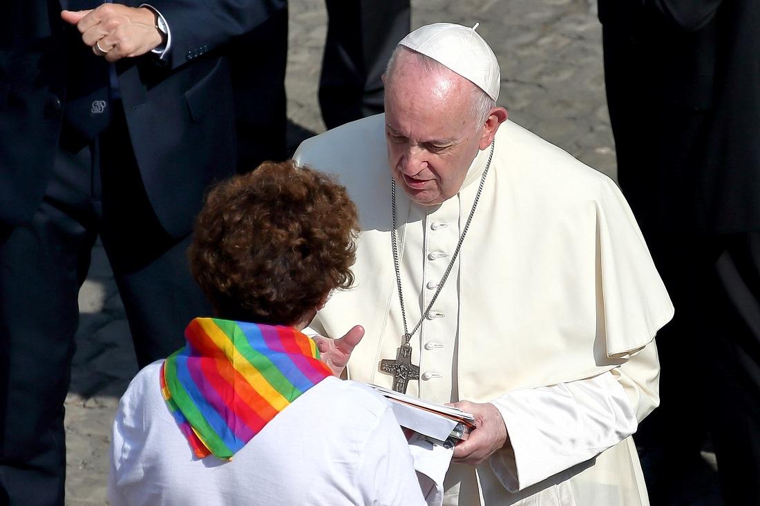 Геи – дети Божьи: одобрено папой римским