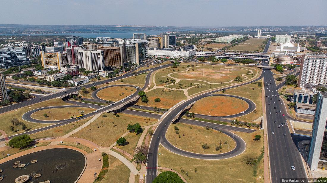 Бразилиа: большой архитектурный эксперимент в центре Бразилии