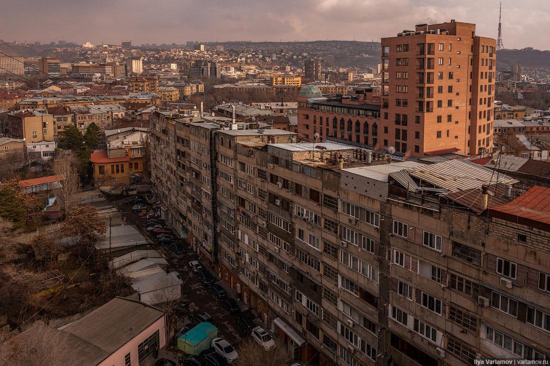Ереван, который надо снести. Или нет?