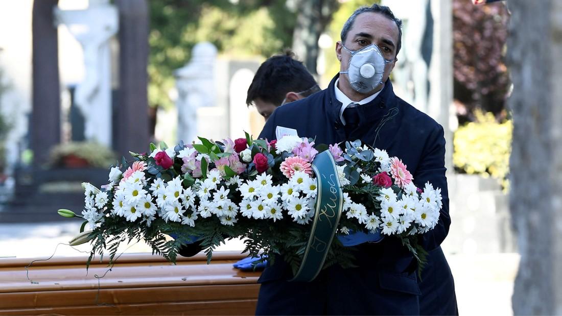 Печальный подвиг гробовщиков