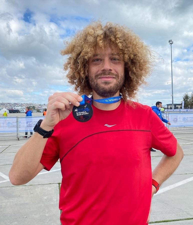Пробежал свой первый марафон!